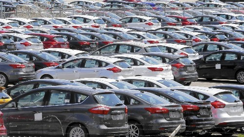 2015 U.S. auto sales on track to hit a record
