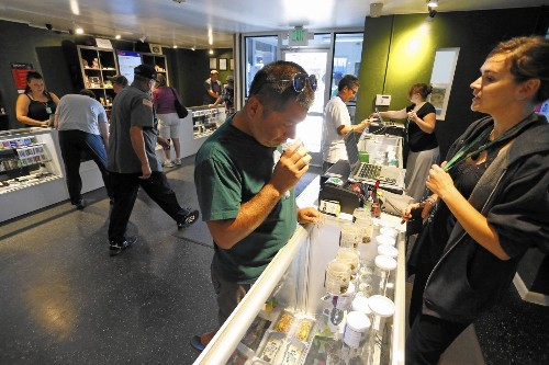 Colorado's pot industry is a cash business. A small credit union wants to change that. - Los Angeles Times