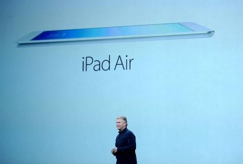 Hey, Apple fans: Quit complaining