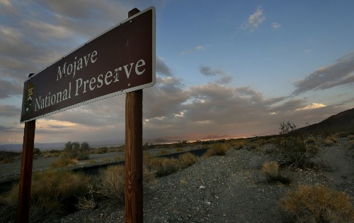 Developers, projects knocking on national park gates - Los Angeles Times
