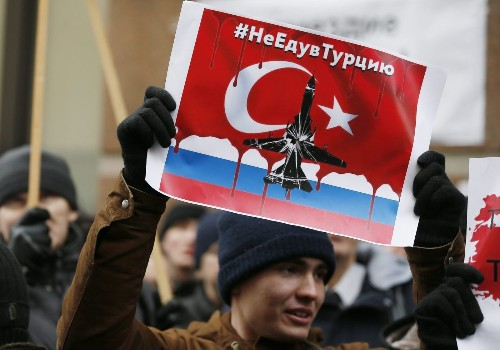Russia deploys missiles in Syria; pilot denies straying into Turkish airspace - Los Angeles Times