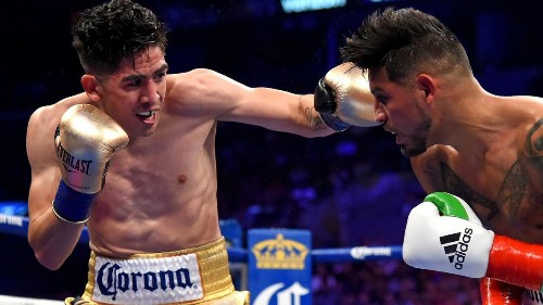 For Leo Santa Cruz, heavy is the head that wears the WBA featherweight crown