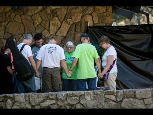 Oregon shooter killed himself after he was injured in police shootout, authorities say