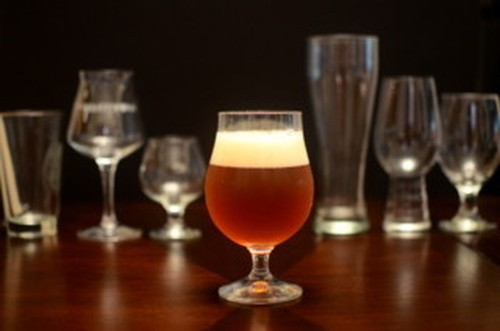 The classic tulip glass is the only beer glass you need. Here's why - Los Angeles Times