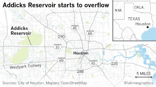 As Harvey breaks rainfall record, Houston imposes a curfew and death toll climbs to 18 - Los Angeles Times