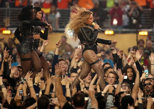 Beyoncé draws outrage and praise for Super Bowl set