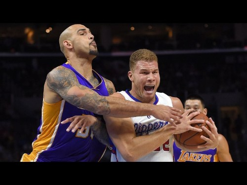 Kobe Bryant, Nick Young struggle as Clippers rout Lakers, 114-89
