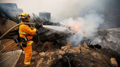 'This fire is a beast': Massive inferno keeps growing despite epic battle by firefighters - Los Angeles Times