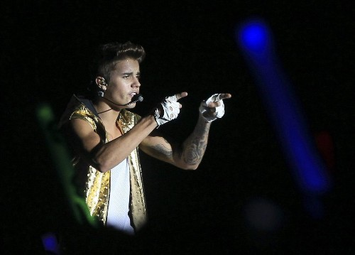 Justin Bieber reportedly leads investment in new social network - Los Angeles Times