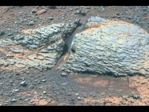 10-year-old Opportunity rover finds old 'drinking water' on Mars - Los Angeles Times