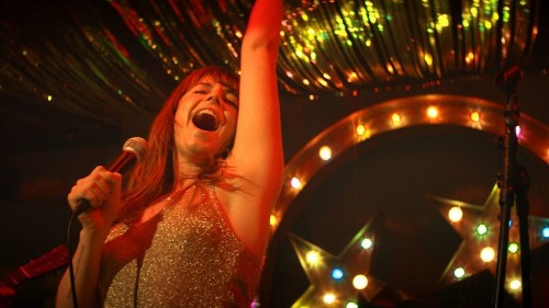 Review: Jessie Buckley soars as a Scots country singer in the crowd-pleaser 'Wild Rose'