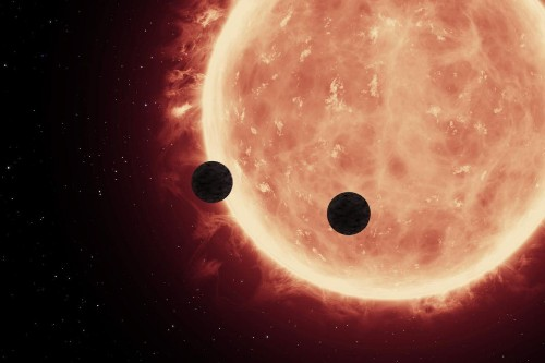 Two for one: Hubble picks out pair of Earth-sized planets' atmospheres