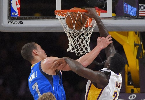 Five takeaways from the Lakers' 103-93 loss to the Dallas Mavericks
