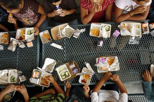 In kids, picky eating may be warning sign for mental health problems