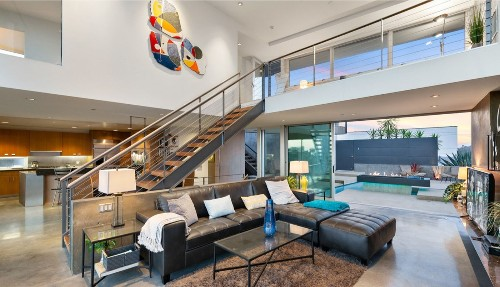 Architectural dwelling built by Steven Ehrlich finds a buyer in the Hollywood Hills