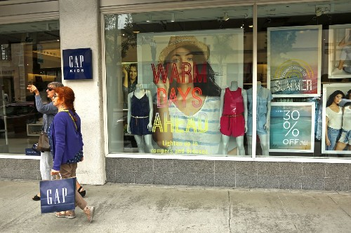 Does Gap have an identity problem? Why the retailer's sales keep dropping