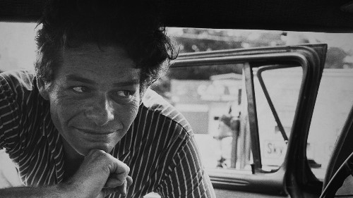 Review: 'Garry Winogrand: All Things Are Photographable' explores the artist who pushed his craft to its limits - Los Angeles Times