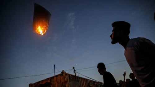 The Palestinians who fly incendiary kites into Israel aren't protesters, they're terrorists - Los Angeles Times