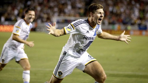 Steven Gerrard delights Galaxy fans in winning MLS debut