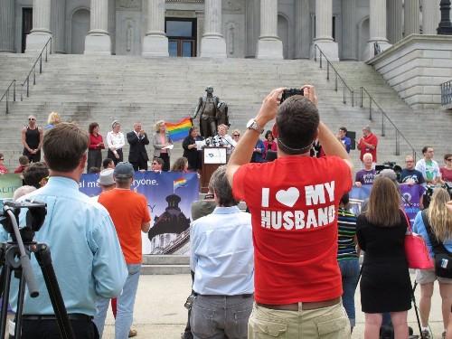 Kansas can issue gay marriage licenses; South Carolina ban struck down