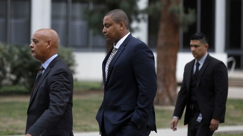 Ex-NFL player Jonathan Martin can stand trial for threats involving Harvard-Westlake, judge rules - Los Angeles Times