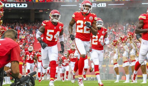 Times' NFL columnist Sam Farmer predicts the Chiefs will beat the Raiders, 28-24, in Thursday's AFC West showdown