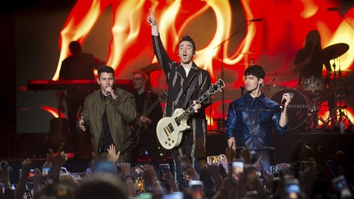 Jonas Brothers cross over to Latin pop with Daddy Yankee collaboration