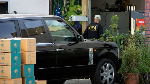 California lawmakers want to block police from helping federal drug agents take action against marijuana license holders