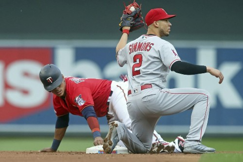 No surgery for Angels' Andrelton Simmons, who is 'hoping for a miracle'