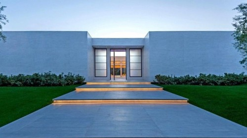 Kardashian-Jenner clan scoops up a modern mansion in La Quinta for a cool $12 million
