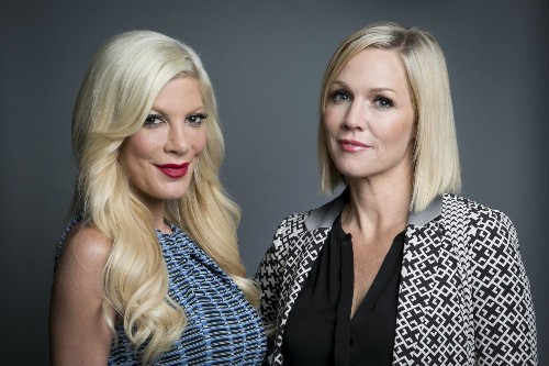 More '90210' drama: Jennie Garth says reboot cast had no chemistry - Los Angeles Times