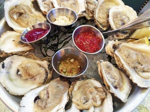 Happy hour: lobster rolls and $1 oysters at Blue Plate Oysterette