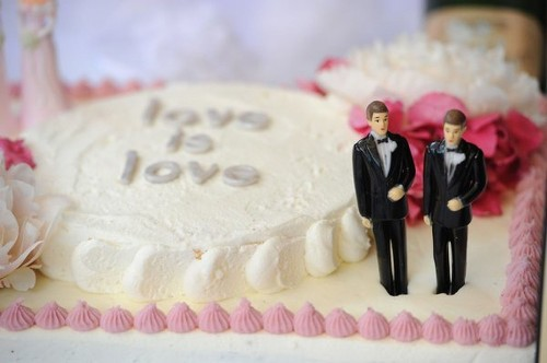 Gay marriages to be treated equally by IRS - Los Angeles Times