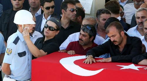 Top officers at Incirlik Air Base arrested in Turkey coup attempt - Los Angeles Times