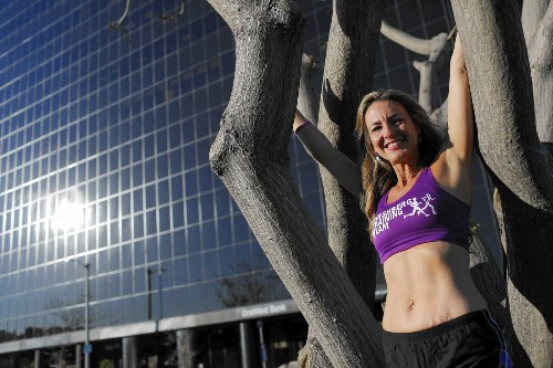 The Marathon Goddess is running her 100th in L.A. -- all to raise research funds - Los Angeles Times