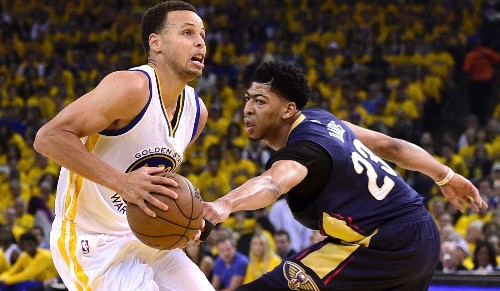 NBA playoffs: Stephen Curry leads Warriors in opener - Los Angeles Times