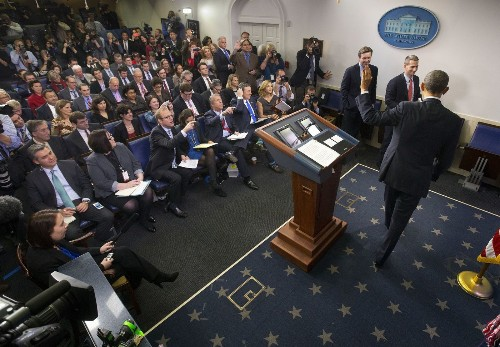 Obama takes questions only from women, apparently a White House first - Los Angeles Times