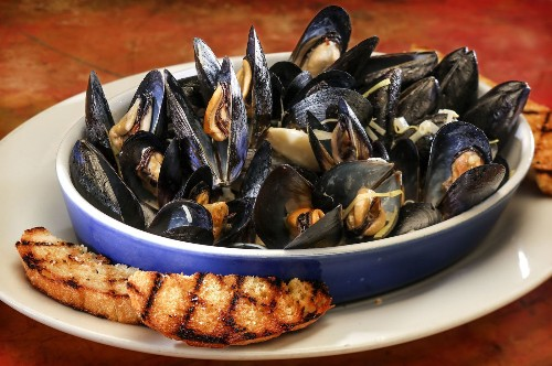 Easy dinner recipes: Love mussels? Great ideas in about 30 minutes - Los Angeles Times