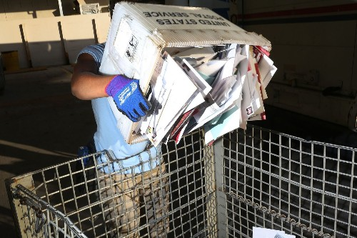 Advocates push for the U.S. Postal Service to offer basic banking