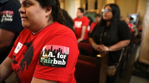Latest tweak to proposed L.A. rules on Airbnb-type rentals alarms tenant activists - Los Angeles Times