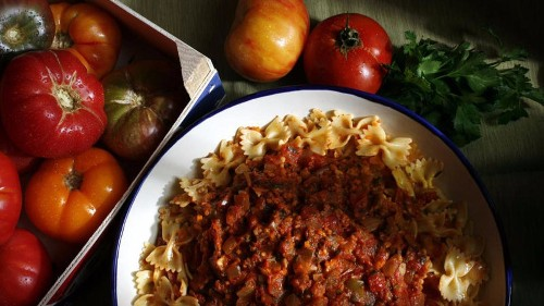 Have extra tomatoes? Try this summer tomato sauce recipe - Los Angeles Times