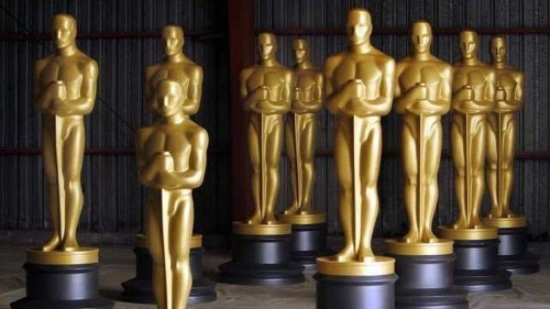 Movie academy announces rule changes but backs off fight with Netflix
