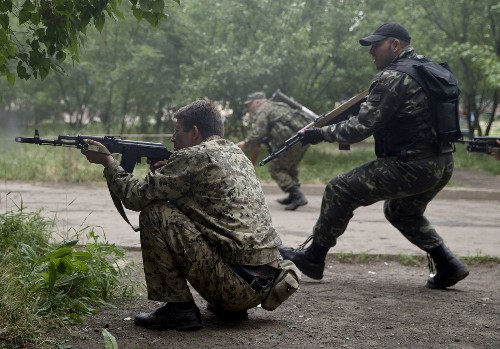 Russian rebel attack on Ukraine border guard base kills 5 - Los Angeles Times