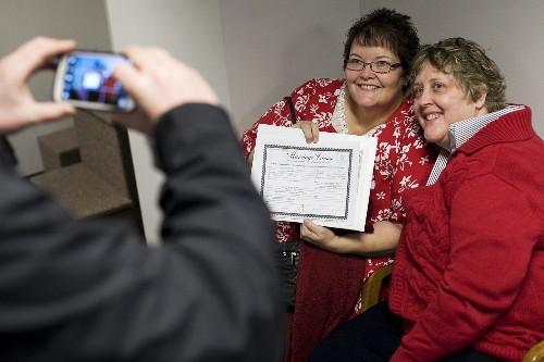 Utah asks Supreme Court to restore gay marriage ban