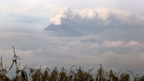 As it recovers from earthquakes, Mexico City looks nervously at its (very) active volcano
