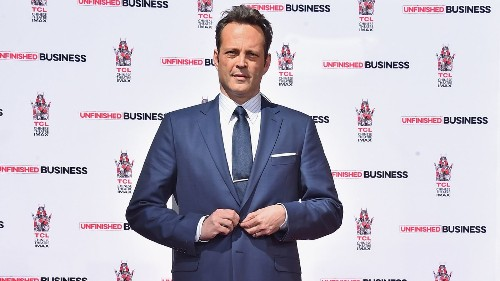 Vince Vaughn wants guns in schools: Resist power of 'corrupt and abusive government' - Los Angeles Times