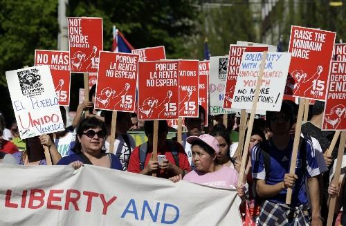 Seattle minimum-wage fight: Does $15 an hour make economic sense? - Los Angeles Times