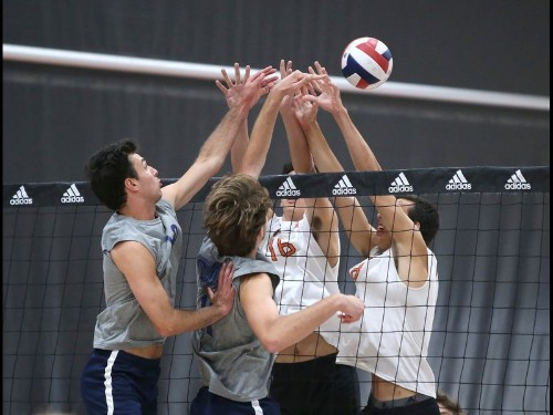 Corona del Mar boys' volleyball secures CIF playoff berth with sweep of Huntington Beach