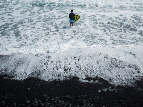 From destruction, creation: A new black sand beach is born on the island of Hawaii - Los Angeles Times