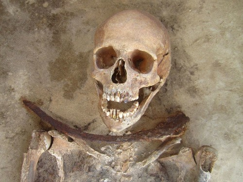 Villagers buried suspected vampires with blades, rocks - Los Angeles Times